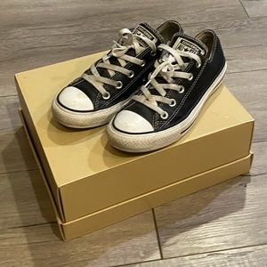 Converse Chuck Taylor Low Leather Sneaker